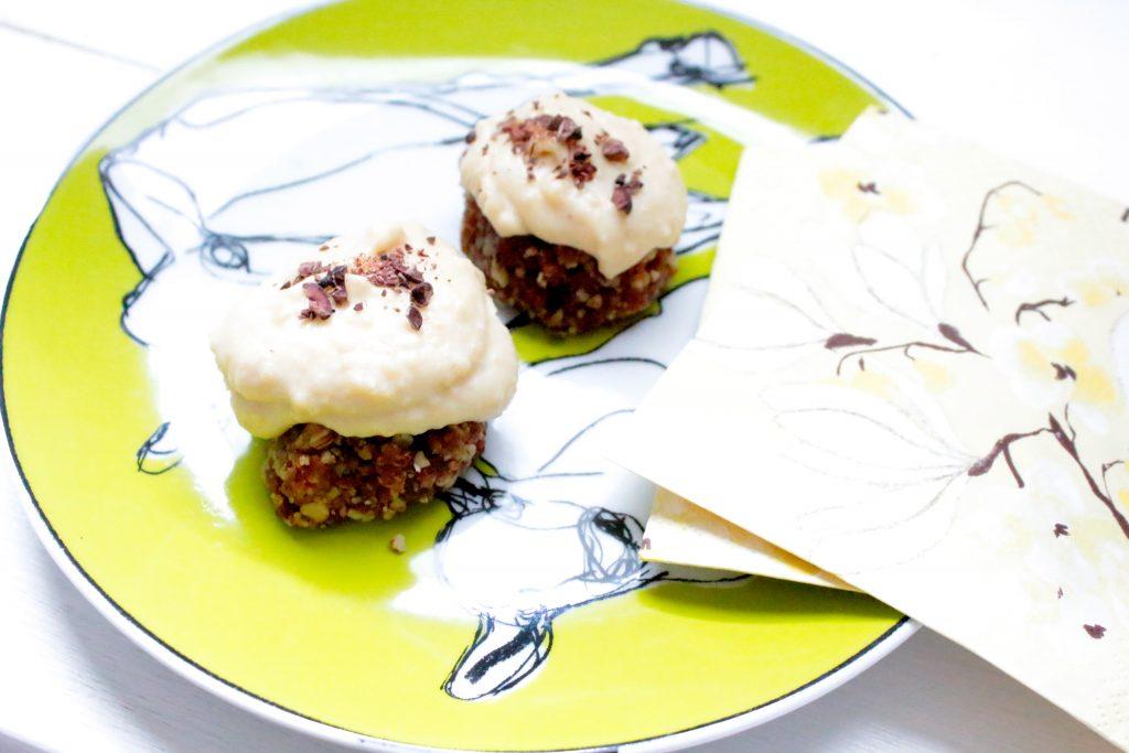 simple raw vegan cheesecakes