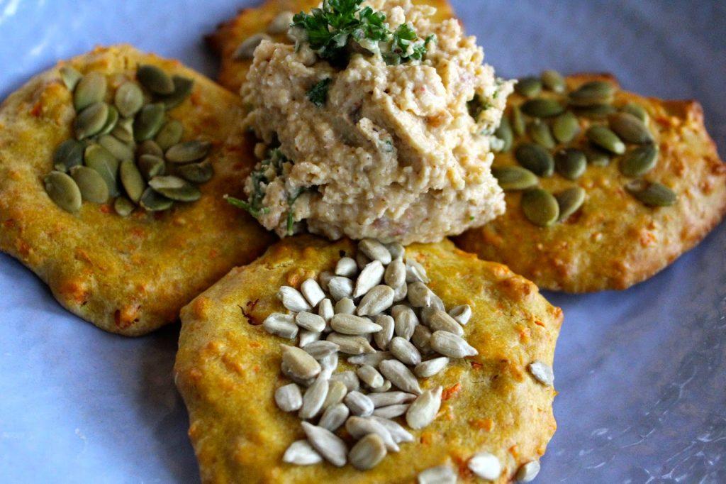 GLUTEN-FREE QUINOA FLATBREADS - Kat Loves Kale