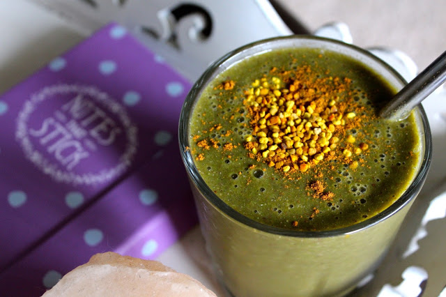 green smoothie with bee pollen vihersmoothie siitepoly
