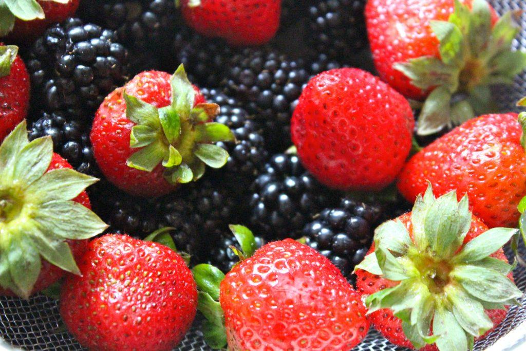 healthy energy foods berries