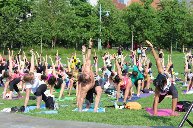 WANDERLUST - YOGA IN THE CITY